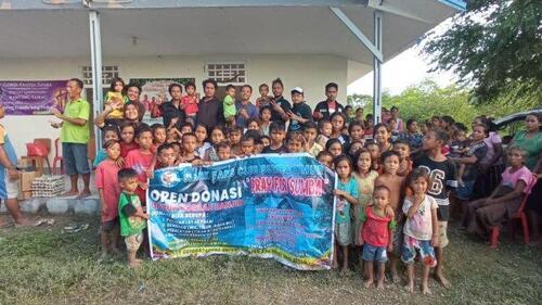 Slankers  dan Slanky Sumba Timur  Salurkan  Bantuan bagi Korban Badai Seroja